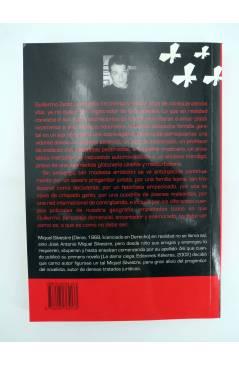 Contracubierta de COL BÁRBAROS. MARIPOSAS EN CUARTO OSCURO (Miquel Silvestre) Barataria 2003