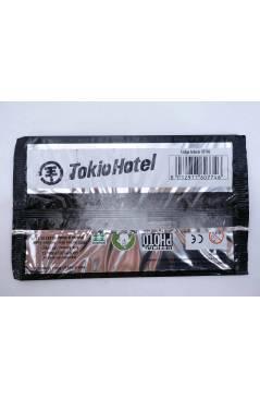 Contracubierta de TOKIO HOTEL. OFFICIAL PHOTO STICKERS COLLECTION 19 PEGATINAS/ SOBRE (No Acreditado) Sabertooth Games 2