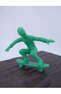 Muestra 7 de THE ORIGINAL AJ'S TOY BOARDERS. SKATE SERIES 1. BOLSA 24 SKATERS. VERDE 2011. SKATEBOARD MONOPATIN (No Acre