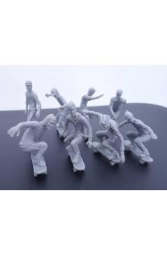 Muestra 6 de THE ORIGINAL AJ'S TOY BOARDERS. SKATE SERIES 1. BOLSA 24 SKATERS. MIX 2011. SKATEBOARD MONOPATIN (No Acredi