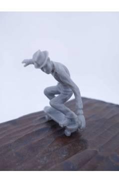 Muestra 1 de THE ORIGINAL AJ'S TOY BOARDERS. SKATE SERIES 1. 2. NOSE GRAB 2011. SKATEBOARD MONOPATIN (No Acreditado) Alf