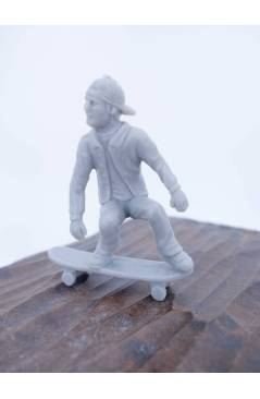 Muestra 5 de THE ORIGINAL AJ'S TOY BOARDERS. SKATE SERIES 2. COMPLETA 8 DIF. GRIS 2011. SKATEBOARD MONOPATIN (No Acredit