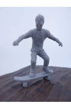 Muestra 7 de THE ORIGINAL AJ'S TOY BOARDERS. SKATE SERIES 2. COMPLETA 8 DIF. GRIS 2011. SKATEBOARD MONOPATIN (No Acredit