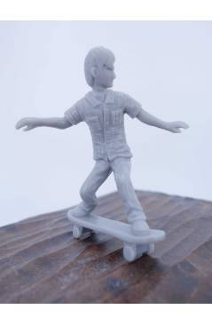 Cubierta de THE ORIGINAL AJ'S TOY BOARDERS. SKATE SERIES 2. 5. BOARDSLIDE. GRIS 2011. SKATEBOARD MONOPATIN (No Acreditad