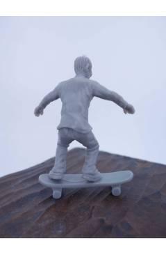 Contracubierta de THE ORIGINAL AJ'S TOY BOARDERS. SKATE SERIES 2. 7. 50/50. GRIS 2011. SKATEBOARD MONOPATIN (No Acredita