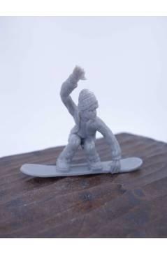 Contracubierta de THE ORIGINAL AJ'S TOY BOARDERS. SNOW SERIES 1. BOLSA 24 SNOWBOARDERS. GRIS 2011. SNOWBOARD (No Acredit