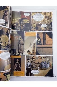 Muestra 2 de JOHN CARONTE DETECTIVE ZOMBIE + REVOLVER (Román Collado / Sandoval) Recerca 2005