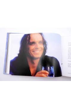 Muestra 3 de CD LIBRO MIGUEL BOSÉ 11. LABERINTO (Miguel Bosé) El País 2008